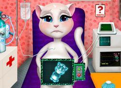 Кошка Анжела рожает