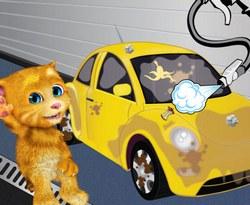 Говорящий Джинджер моет машину