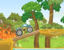 Монстр грузовик против леса