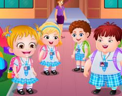 Малышка Хейзел учится в школе