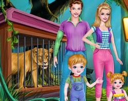 Семья ухаживает за зверями
