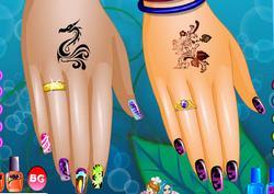 Модный маникюр и татуировка